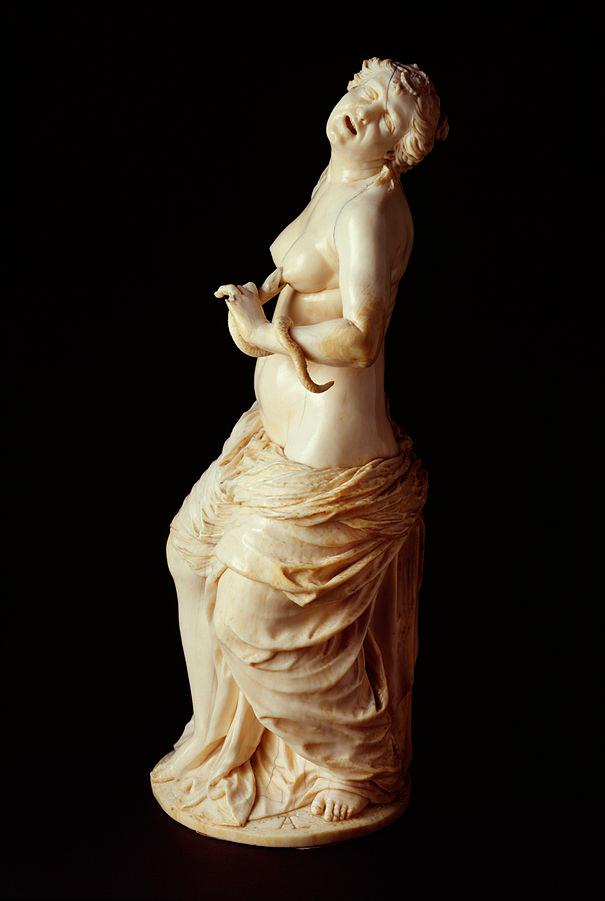 Escultura de Cleopatra por Adam Lenckhardt