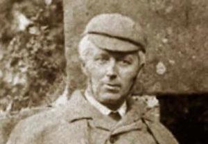 Joseph Bell con su sombrero deerstalker