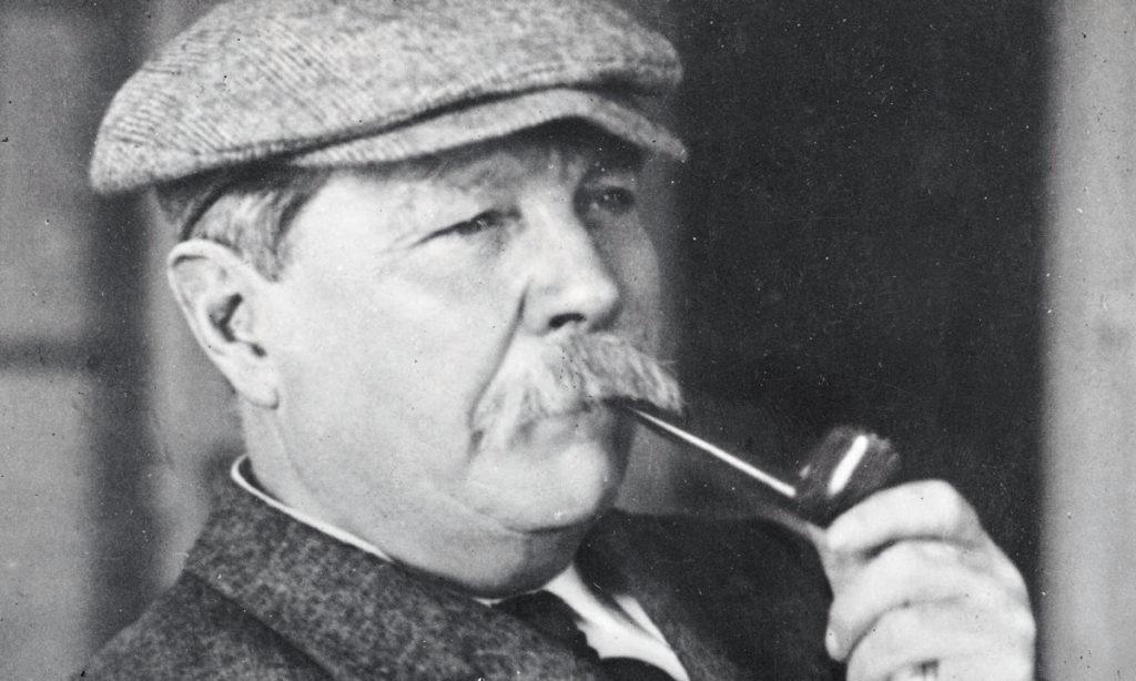 Sir Arthur Conan Doyle imagen original de https://perfecto.guru/wp-content/uploads/2016/10/80a7d7b83ea3f3d465d31f31a28385ba.jpg