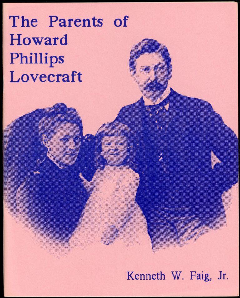 Padres de Howard Phillips Lovecraft en la portada del libro homónimo de Kenneth W. Faig, Jr. El niño de la foto sería el famoso autor.
