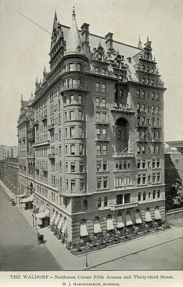 El Waldorf tras ser abierto en 1893