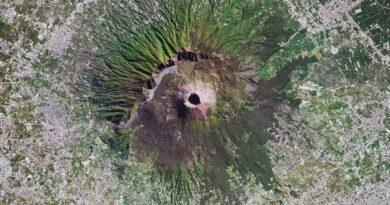Fotografía cenital de satélite del monte Vesubio